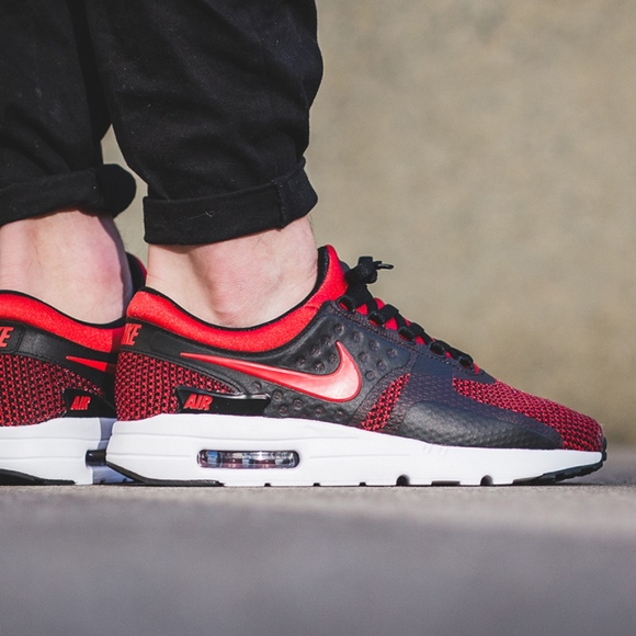 online retailer 97be0 ee288 Men s Nike Air Max Zero Essential (Size 11)